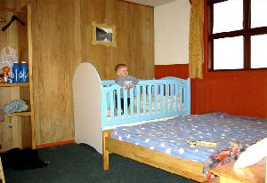 Hosteria Outsider, Puerto Varas, Room with baby cot